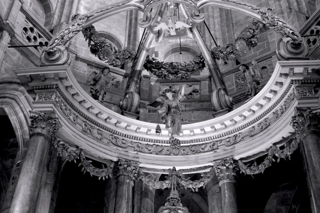 maître-autel _basilique _Dinan  N&B (2)
