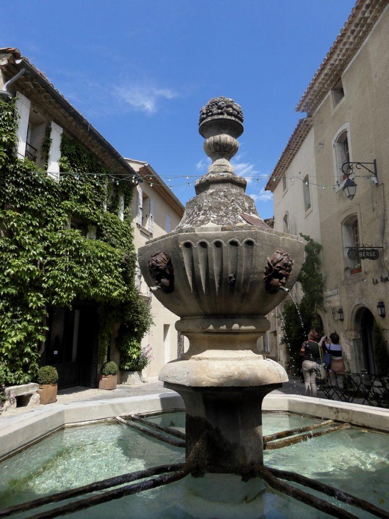 fontaine-venasque-3