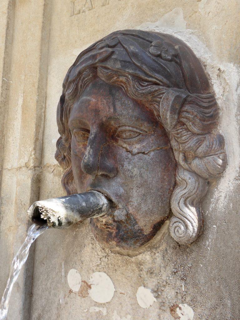 fontaine-venasque-6